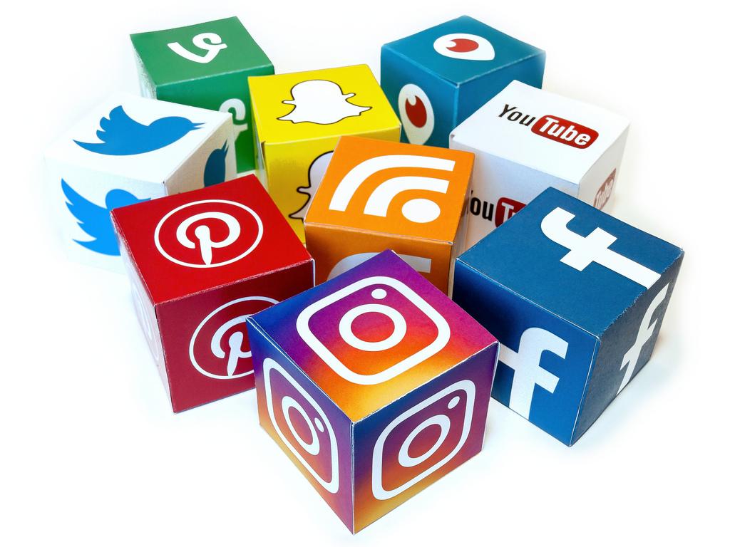 Tận dụng mạng xã hội giúp tăng traffic cho website.
